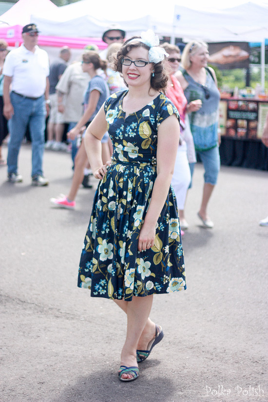 Wandering through the crowds at Loon Days in a summery vintage-inspired outfit