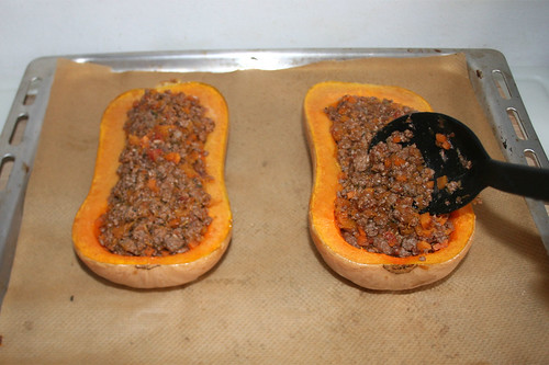 37 - Kürbis befüllen / Fill pumpkin