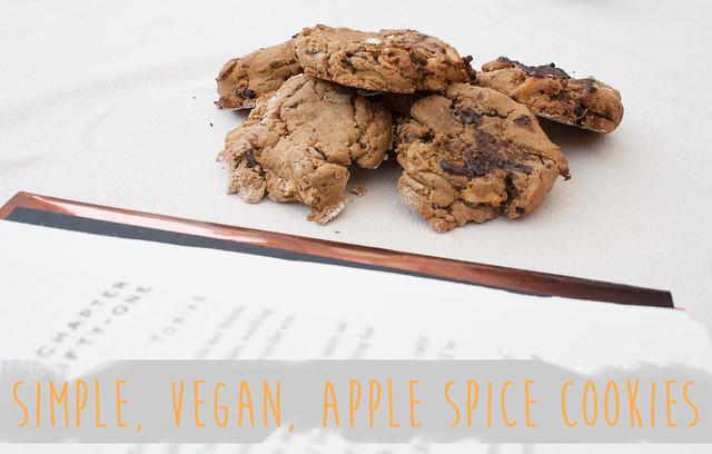 Simple, vegan, apple spice cookies
