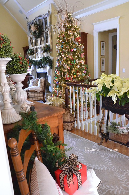 Foyer/Great Room Christmas 2015 - Housepitality Designs