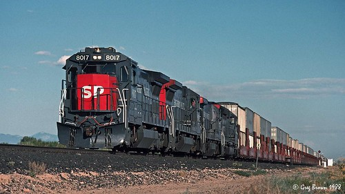 southernpacific sp sunsetroute spsunsetroute generalelectric ge stacktrain intermodal railroads trains arizona rillito