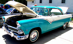 automobile, automotive exterior, 1955 ford, vehicle, antique car, sedan, land vehicle, luxury vehicle, motor vehicle,
