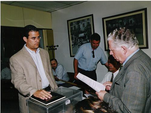 Prometent el càrrec de regidor el maig de 2003