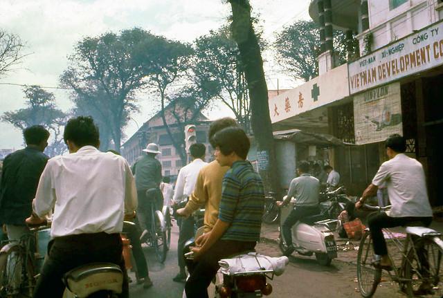 SAIGON by art_photo - Đường Lê Lợi