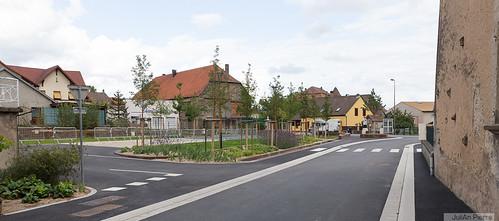 132675_Rahling, place-de-la-fontaine [Gabriel-MILOCHAU](sept2015)
