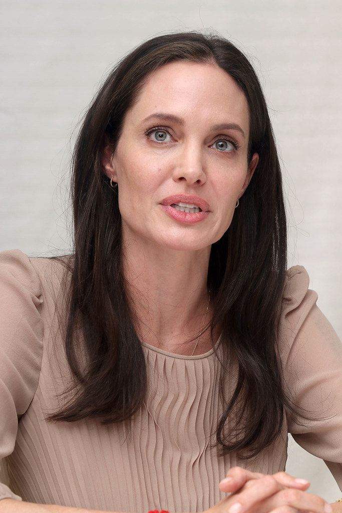 Анджелина Джоли — Пресс-конференция «Лазурный берег» 2015 – 67