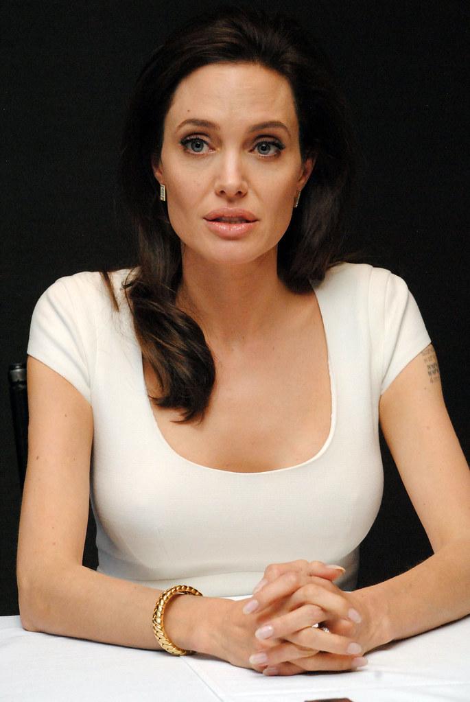 Анджелина Джоли — Пресс-конференция «Несломленный» 2014 – 101