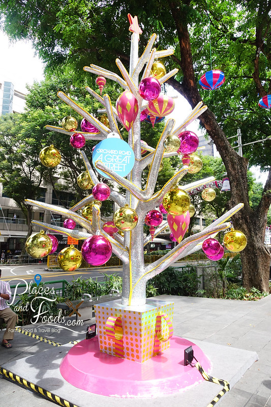 orchard road christmas tree