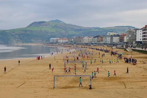 Futbol playero en la playa de Zarautz 17-12-2016