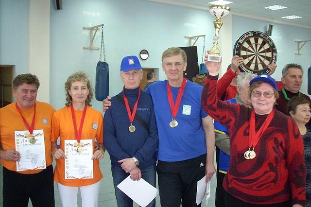 Три золота в дартсе  завоевали пенсионеры Щербинки, Nikon COOLPIX L10