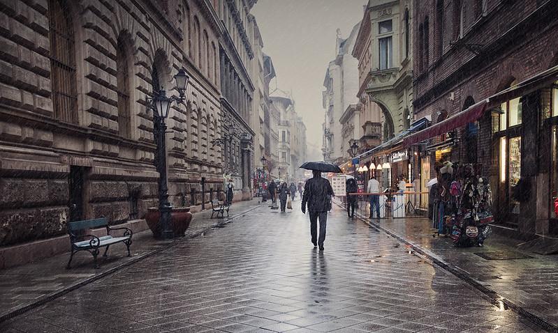 Hombre lluvia