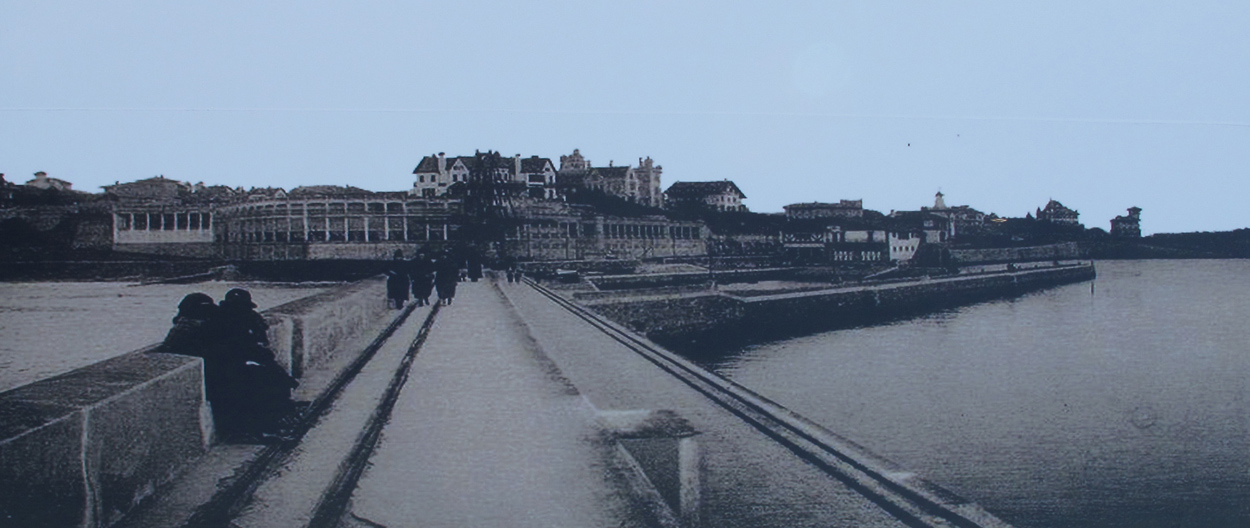 fuente desconocida_imagen en escalera proyecto punta begoña_paisaje_patrimonio_territorio_mar