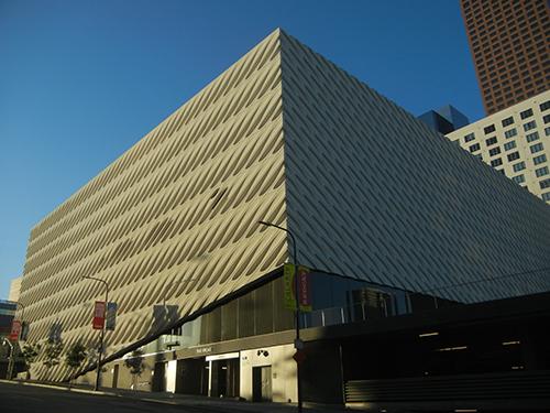 DSCN0151 _ Broad Museum, LA