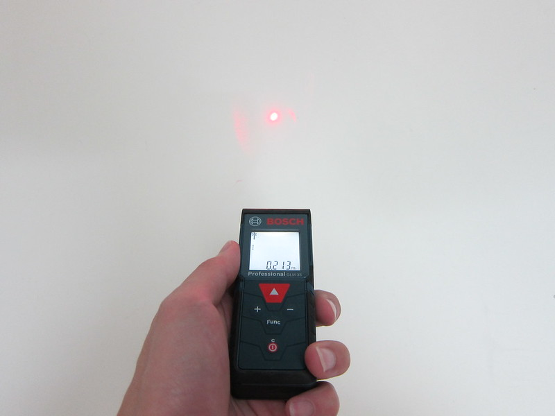 Bosch GLM 35 Laser Measure - Measuring