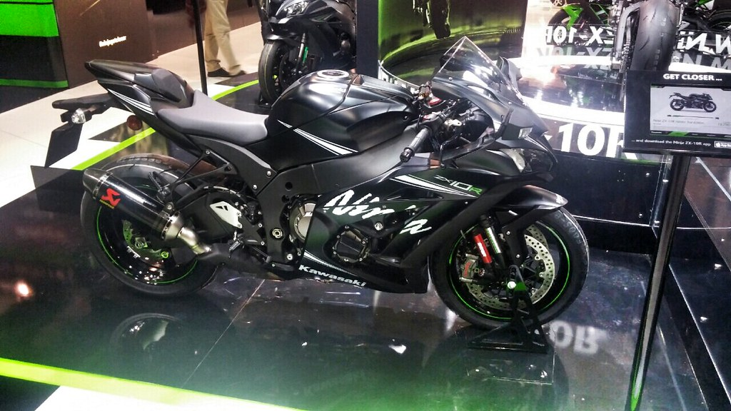 2016 Zx10r Looks Great In Person I Took Some Pics And Will Definitely Order The Winter Test Edition For Me It Looked Best But Overall