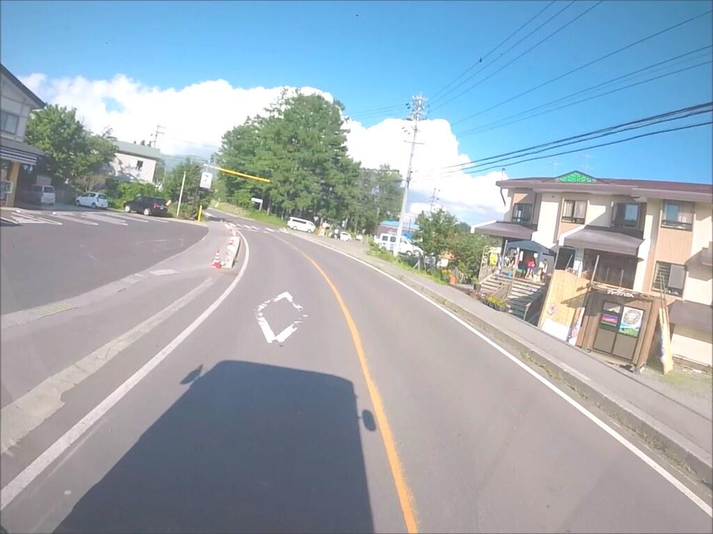 バスの窓から菅平高原.mp4_000035417