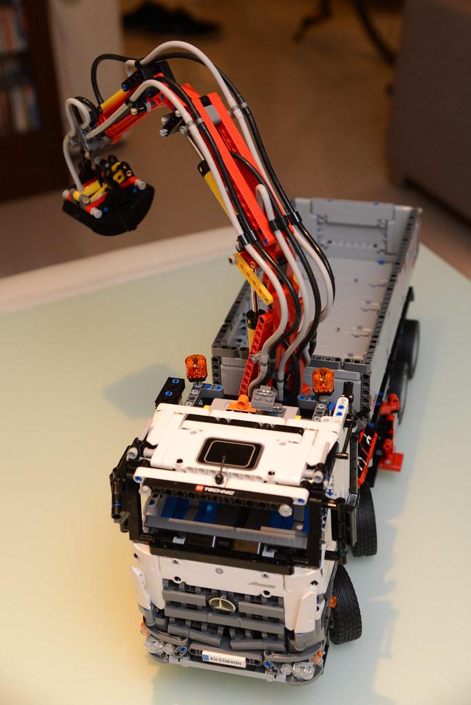 樂高 LEGO 42043 賓士怪手貨卡車 Mercedes-Benz Arocs 3245