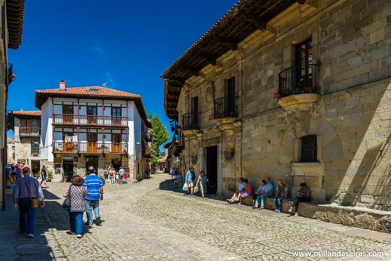 Calle de Santo domingo, la entrada y centro de operaciones de las tiendas de souvenires