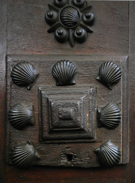 Spanish Wooden Door with Metal Scallop Shell Decorations (Toledo)