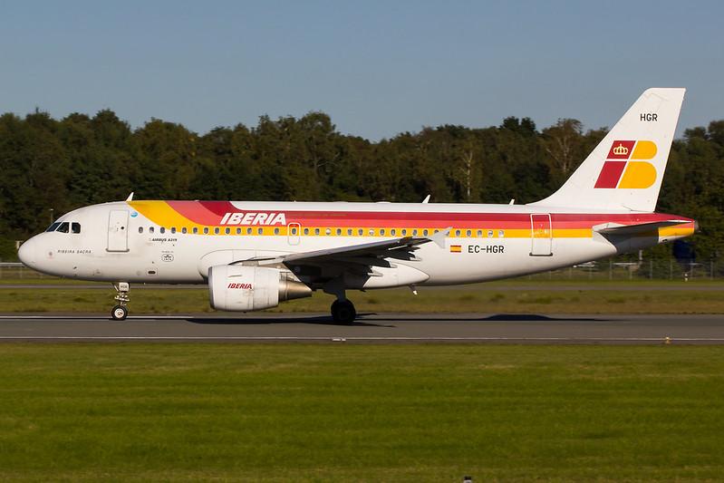 Iberia - A320 - EC-HGR (2)