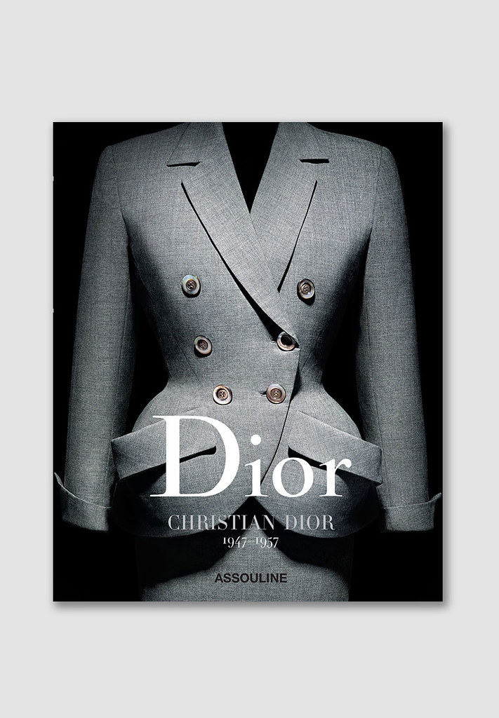 ChristianDior_book_01