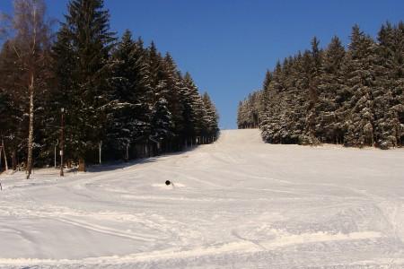Aktuálně: stále se lyžuje nejen na horách