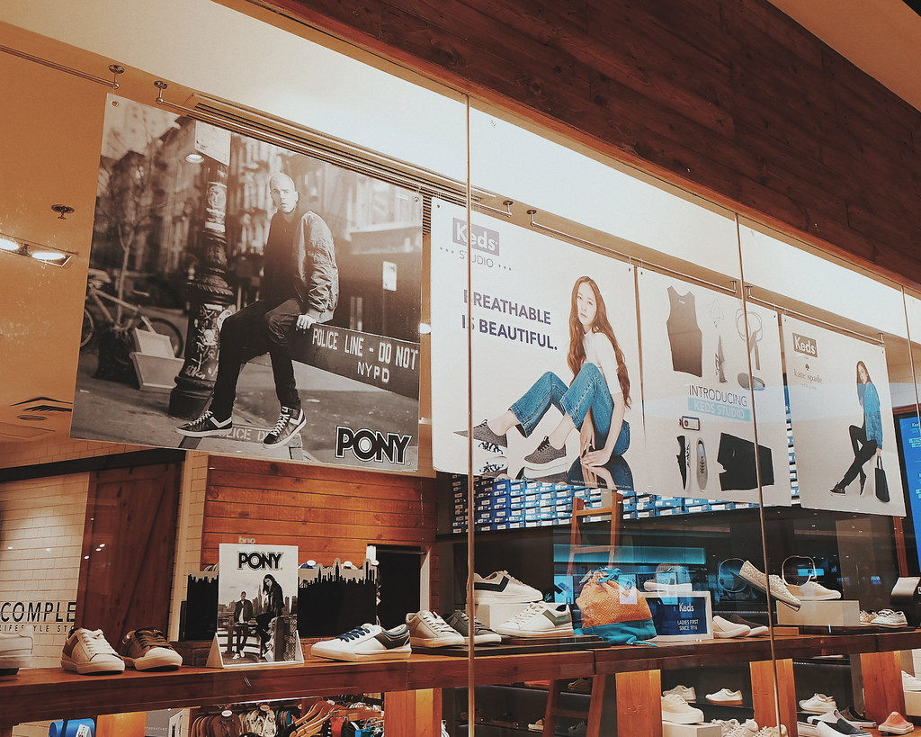 sperry uptown mall