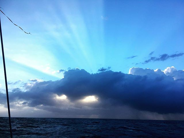 085/365 • my night shift ended at 2am - M gave me an extra hour of sleep, and now I'm back on deck. Just passing Camden Haven • . #goodmorning #sunbeams #cloud #rain #sailing #outdoorfamilies #abcmyphoto #bellalunaboat #cruising #nswcoast #Autumn2018 #eas