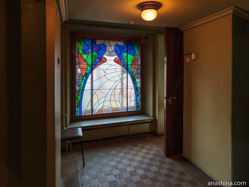 Витраж на первом этаже, особняк Рябушинского, Москва