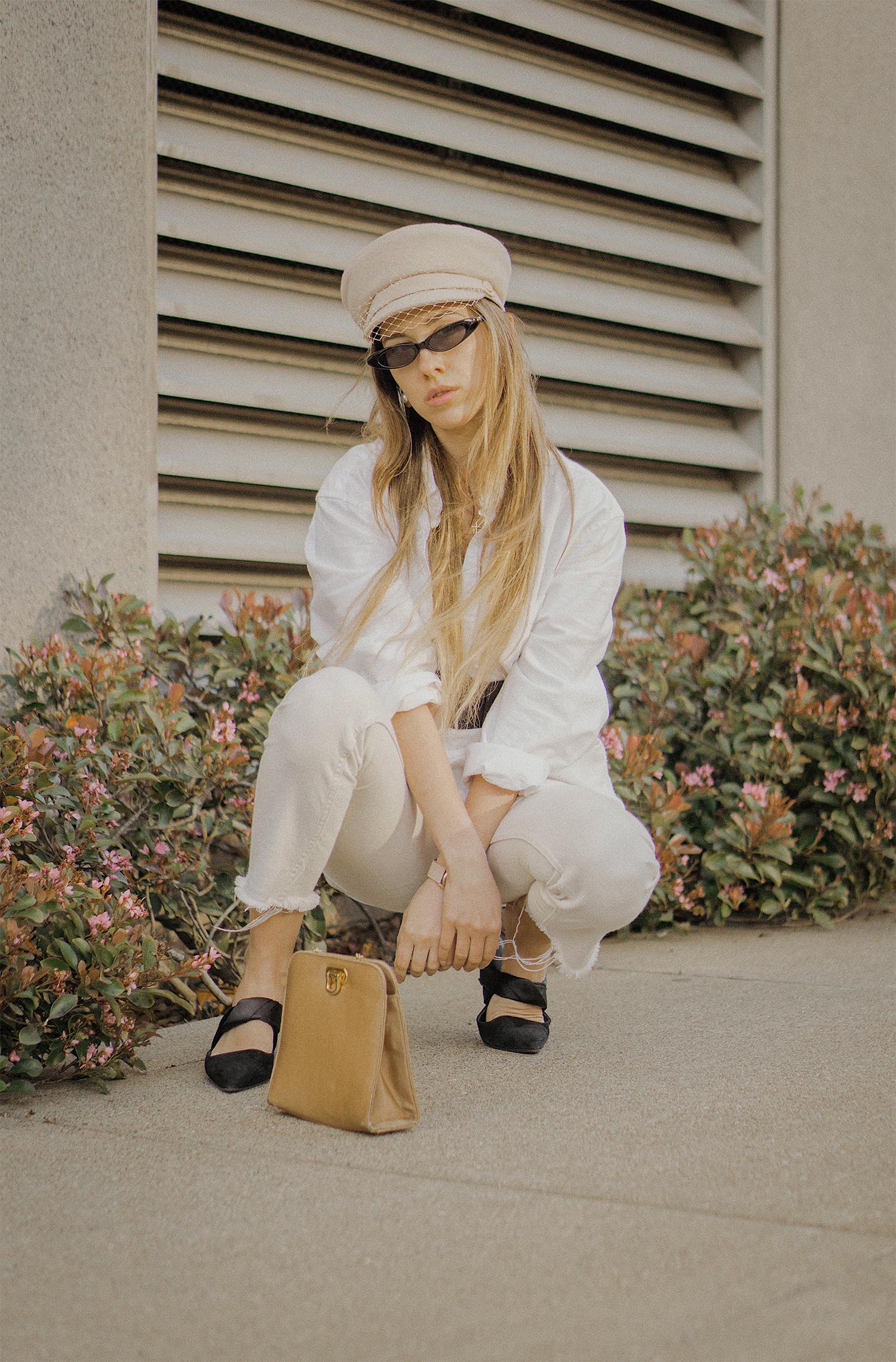 white_jeans_white_oversized_belted_man_cotton_shirt_vintage_bag_kitten_heel_cap_lenajuice_thewhiteocean_02