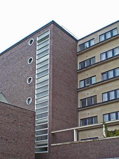 Apartment-Haus (1925-1931)