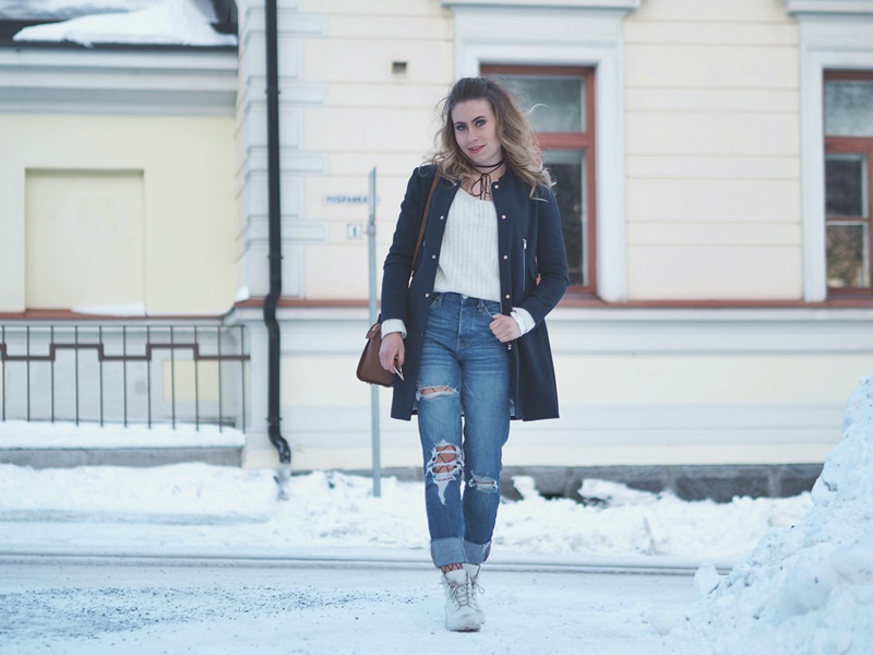 navu blue coat ripped jeans outfit idea for winter or spring