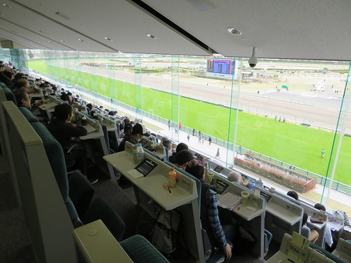 福島競馬場のB指定席