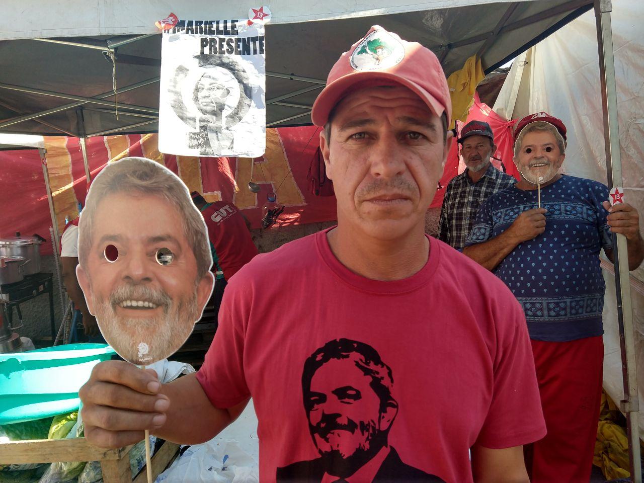 O agricultor Alcione Bernabé voltou para cidade onde mora para possibilitar que outros vizinhos venham participar da mobilização. / foto: Franciele Petry