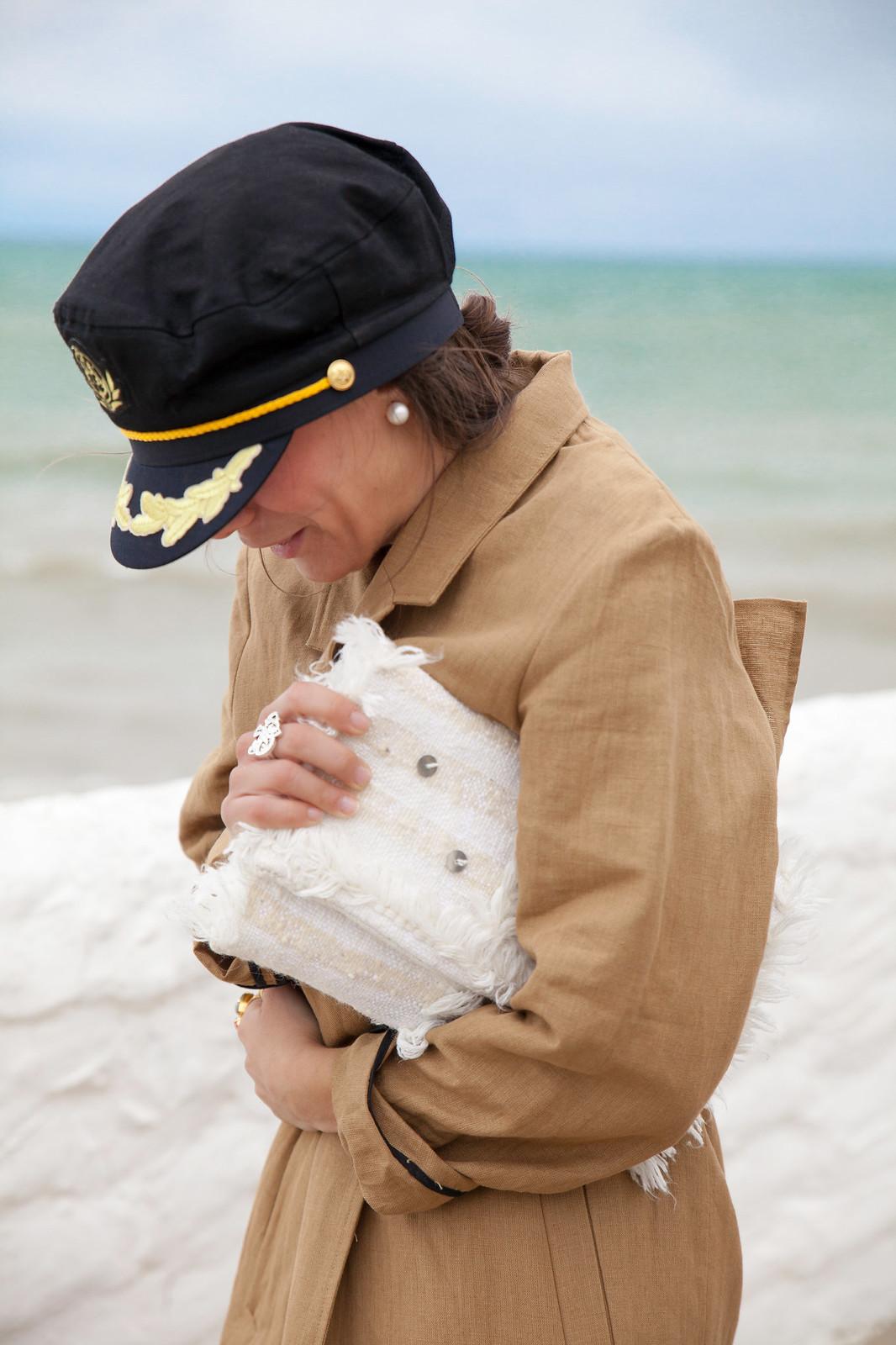 theguestgirl trench coat inspo look gabardina outfit primavera vestido borlas zara