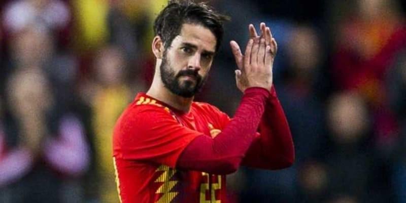 http://cafegoal.com/berita-bola-akurat/zinedine-zidane-disindir-isco-setelah-cetak-hattrick/