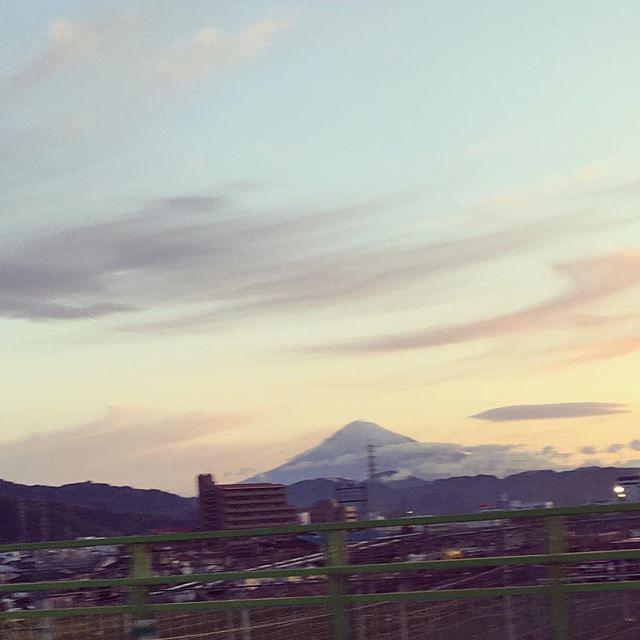 おはようございます☀昨日の行き路の大雨がウソのよう。静岡は青空です。本日は #静岡手創り市 にてお会いしましょう。 ・ \\\\ たま茶、4月前半は関東へ // 西陣店鋪は4月7日(土)~4月16日(月)までお休み頂戴し、以下の出店を予定しております。 ・ 【静岡】 4/07sat&4/08sun ARTS&CRAFT静岡手創り市 https://ift.tt/1GickB0 ・ 【東京】 4/14satは天王州ハーバーマーケット@天王州アイル https://ift.tt/2HbaHLp 4/15sunは雑