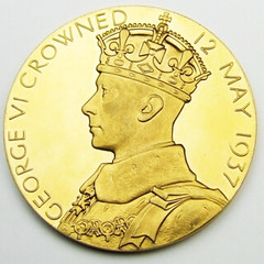 1937 King George VI and Queen Elizabeth Coronation Gold Medal obverse