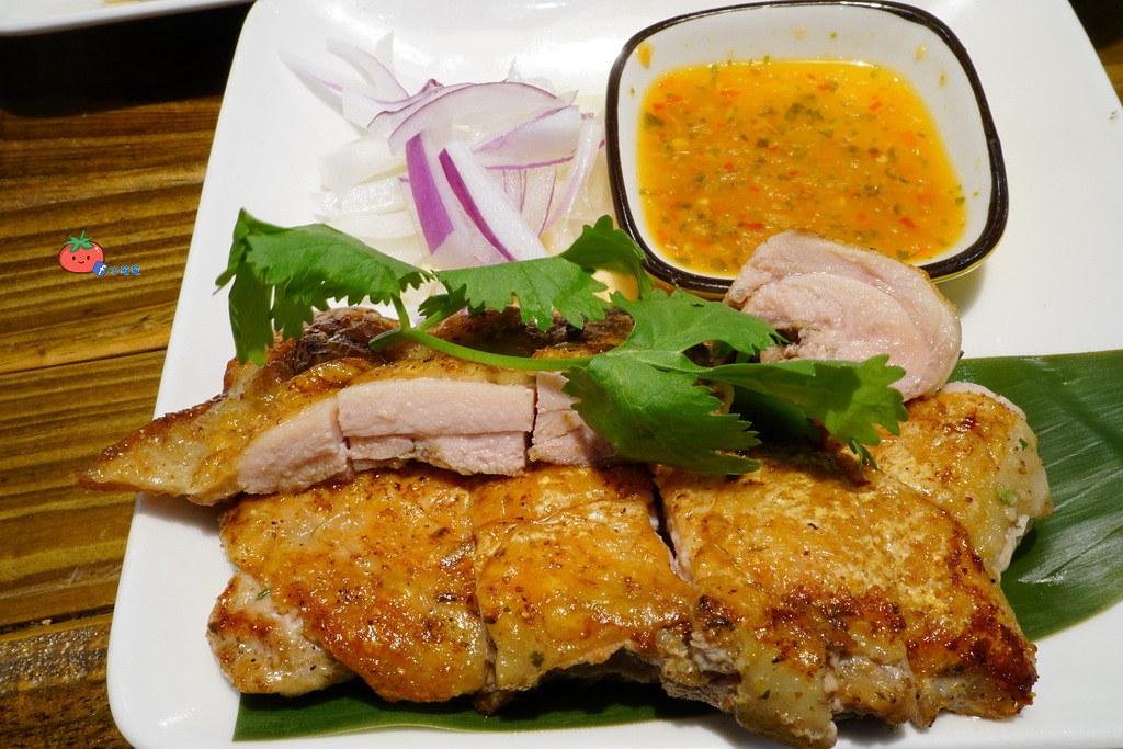 【新莊輔大美食】像薯條一樣的蝦餅 Double泰 一個人就能吃泰式套餐料理 含菜單