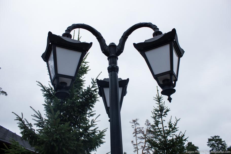 Романковская усадьба: фонарь