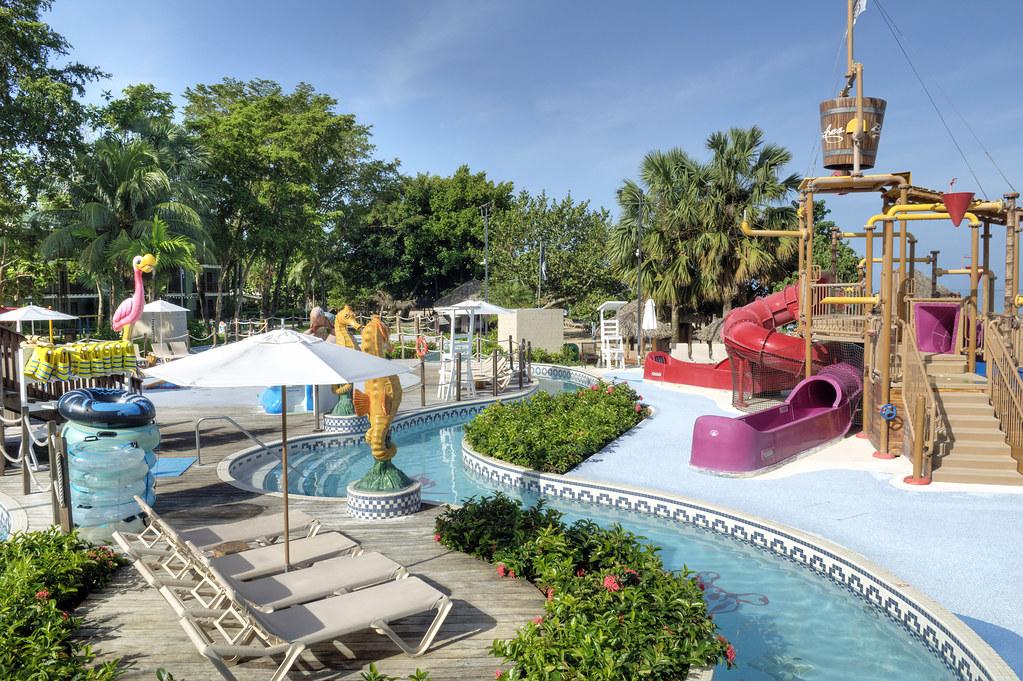 Beaches Resort 1