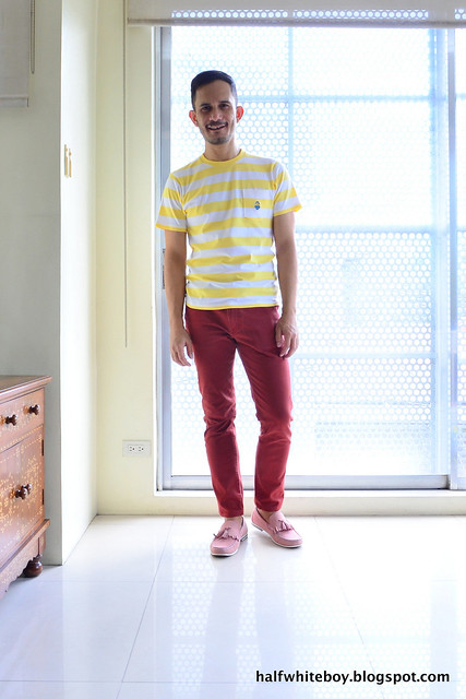 halfwhiteboy - striped uniqlo minions t-shirt and colored jeans 03