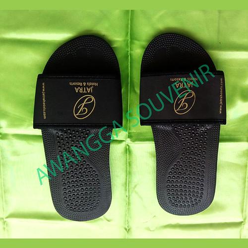 sandal hotel elegan hitam