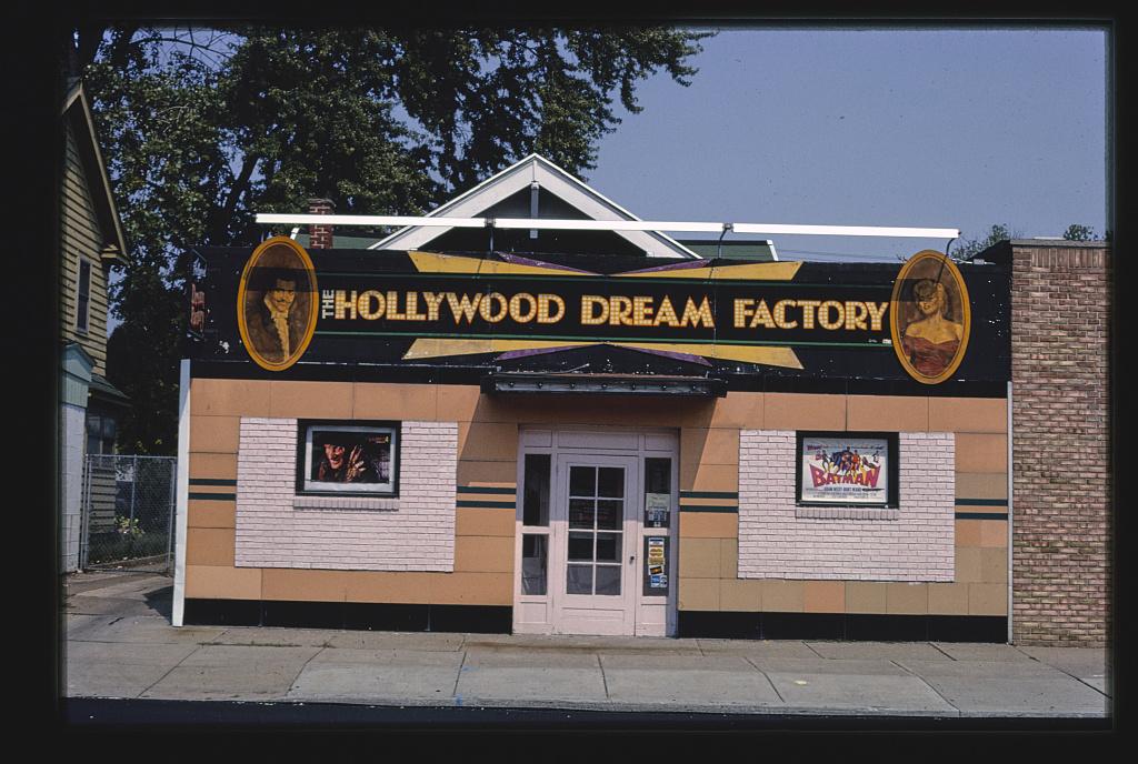 Hollywood Dream Factory, Sylvania Avenue, Toledo, Ohio (LOC)