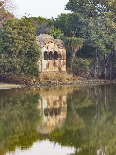 Raj Bagh - Maharaja's Hunting Lodge (Ruins)