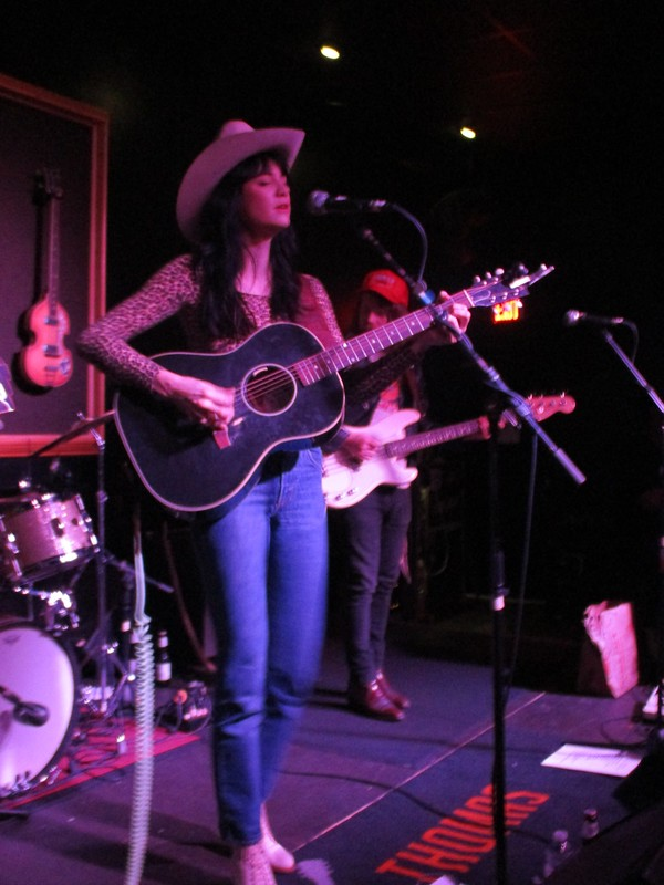 Nikki Lane 01