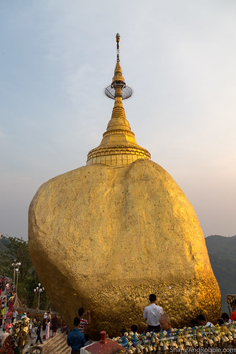 monstate myanmarburma mm myanmar burma goldenrock kyaiktiyo sunset