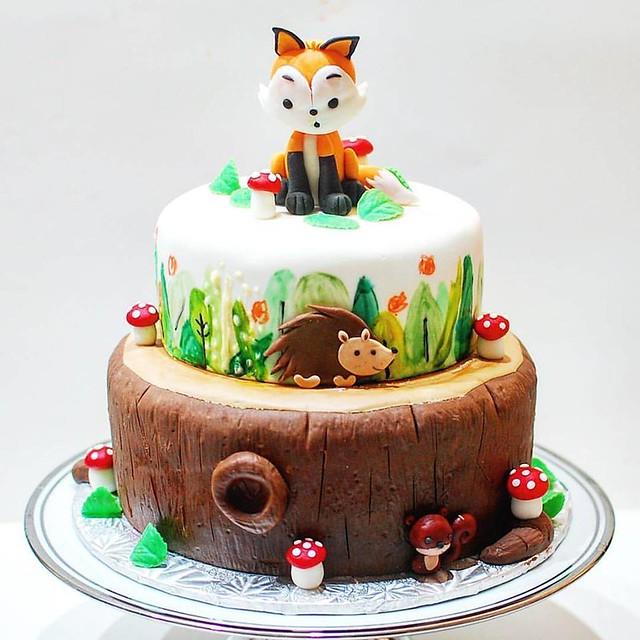 Woodland Fox Themed Cake by DaanGo Cake Lab