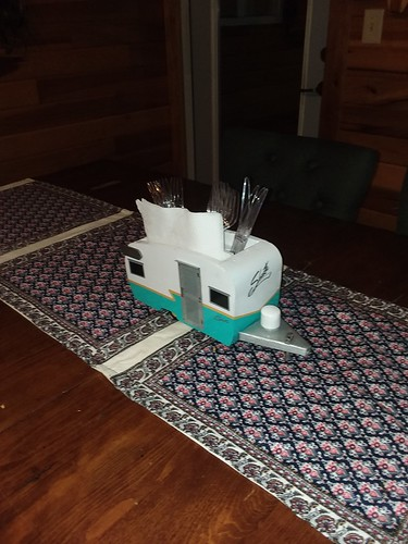camper shasta 1960s picnic picnictable centerpiece diy woodworking crafts camping glamping