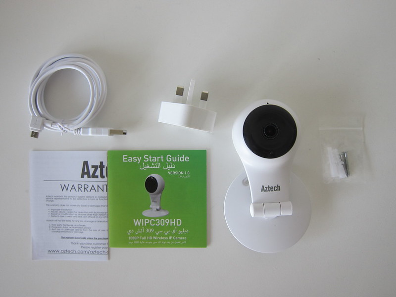 Aztech WIPC309HD Full HD Wireless IP Camera - Box Contents